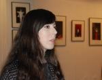 Gelungene Premiere: Zum ersten Mal führte Kunsthistorikerin Yanine Esquivel in eine Ausstellung ein. — hier: Bürgergalerie Neumünster eV.